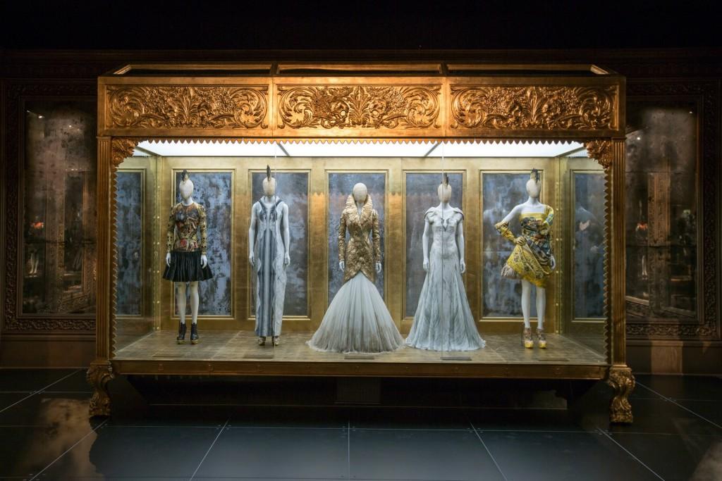 3-McQueen-Savage-Beauty-16Mar15-Victoria-and-Albert